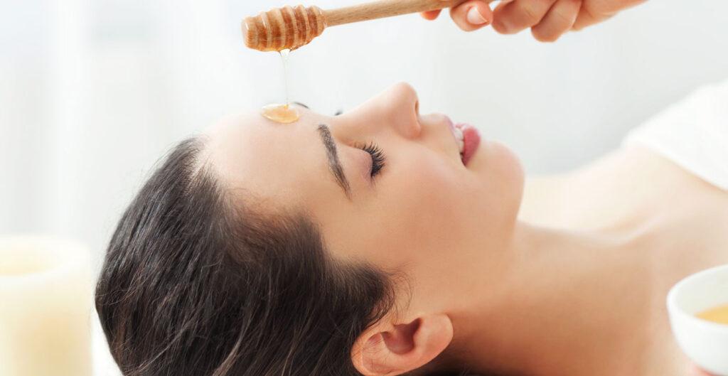 honey beneficial to lighten skin